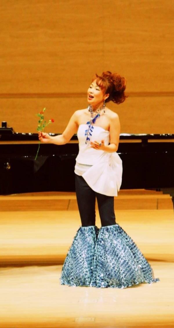 「2006年Mayumi Torikoshi  リサイタル 名古屋電気文化会館コンサートホール」