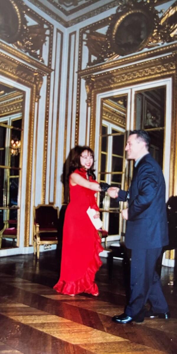 「1998年Paris Hotel du crion  マリーアントワネットレセプションroomにて」