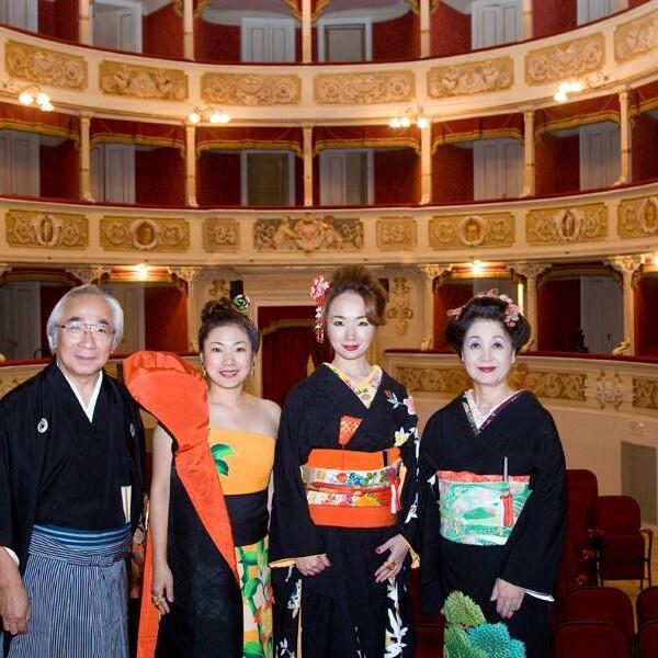 「2009年イタリアヴェルディ劇場にて。」